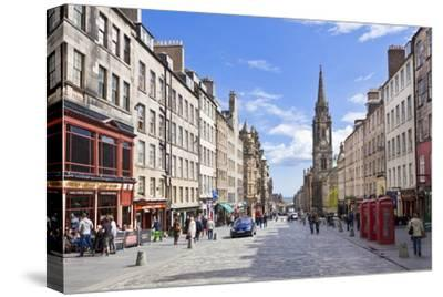 The High Street in Edinburgh Old Town