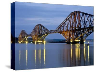 Forth Railway Bridge Over the Firth of Forth, Queensferry Near Edinburgh, Lothian, Scotland, Uk