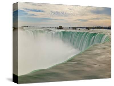 Horseshoe Falls Waterfall on the Niagara River, Niagara Falls, Ontario, Canada