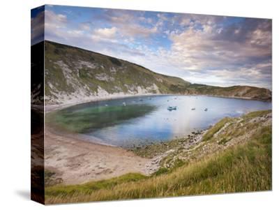 Lulworth Cove, Perfect Horseshoe-Shaped Bay, UNESCO World Heritage Site, Dorset, England