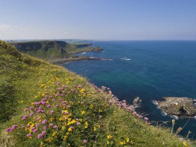 North Antrim Coast Path to the Giant's Causeway, County Antrim, Ulster, Northern Ireland, UK