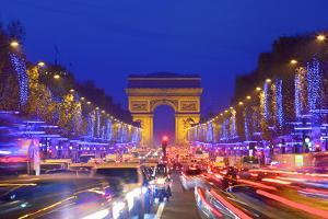 Arc De Triomphe and Xmas Decorations, Avenue Des Champs-Elysees, Paris, France by Neil Farrin
