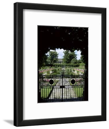 Sunken Garden, Kensington Gardens, London, England, United Kingdom
