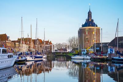 https://imgc.artprintimages.com/img/print/netherlands-north-holland-enkhuizen-drommedaris-tower-historic-former-city-gate-at-the-entrance_u-l-q1bpv6h0.jpg?p=0