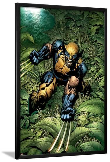 New Avengers No.5 Cover: Wolverine Crouching-David Finch-Lamina Framed Poster