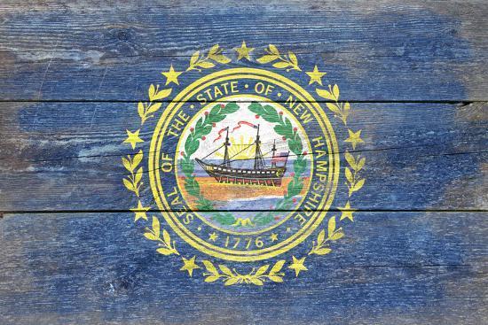 New Hampshire State Flag - Barnwood Painting-Lantern Press-Art Print