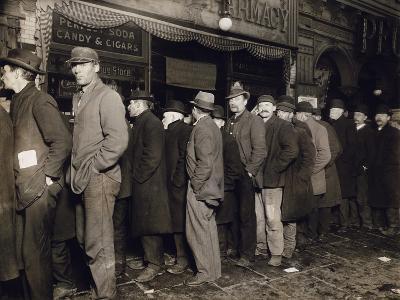 New York: Bread Line, 1907--Photographic Print