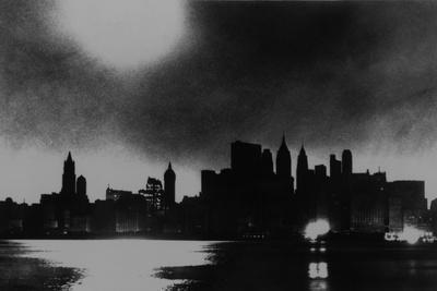 https://imgc.artprintimages.com/img/print/new-york-city-skyline-during-blackout-of-november-9-1965_u-l-pihfpl0.jpg?p=0