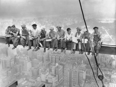 New York Construction Workers Lunching on a Crossbeam--Photographic Print