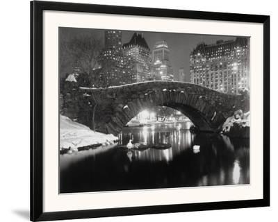 New York Pond in Winter-Bettmann-Framed Photographic Print