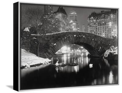 New York Pond in Winter-Bettmann-Framed Canvas Print