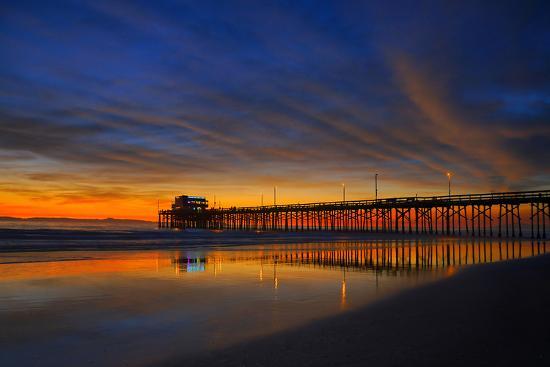 newport-beach-pier-at-sunset