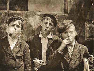 Newsboys Having a Smoking Break, St. Louis, Missouri. 1910-Lewis Wickes Hine-Photographic Print