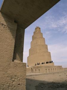 Al Malwuaiya Tower (Malwiya Tower) (Minaret), Samarra, Iraq, Middle East by Nico Tondini