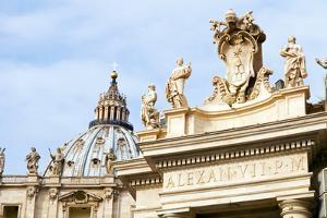 Pope's insignia on the Bernini's colonnade, Piazza San Pietro, Vatican City, Rome, Lazio, Italy by Nico Tondini
