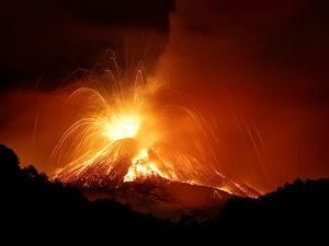 Monte Etna by Nicolò Parasole