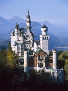 Neuschwanstein Castle, Fussen Bavaria, South Germany by Nigel Francis