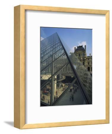Pyramide and Palais Du Louvre, Musee Du Lourve, Paris, France, Europe