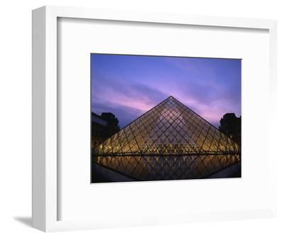 Pyramide Du Louvre Illuminated at Dusk, Musee Du Lourve, Paris, France, Europe