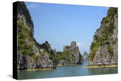 Vietnam, Quang Ninh Province