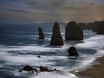 Night Time View of the Twelve Apostles Rocks on the Coast of Victoria, Australia-Babak Tafreshi-Photographic Print