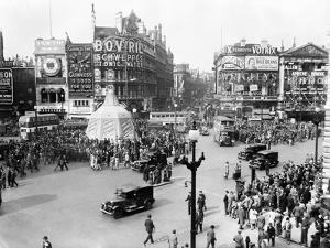 Ve Day Celebrations in London 1945 by Nixon Greaves and