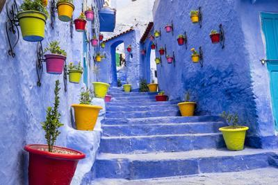 https://imgc.artprintimages.com/img/print/north-africa-morocco-traiditoional-blue-streets-of-chefchaouen_u-l-q1blj7x0.jpg?p=0