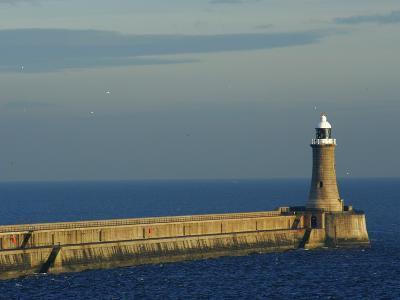 North Pier Lighthouse-Jason Friend-Photographic Print