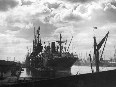 North Woolwich Docks--Photographic Print