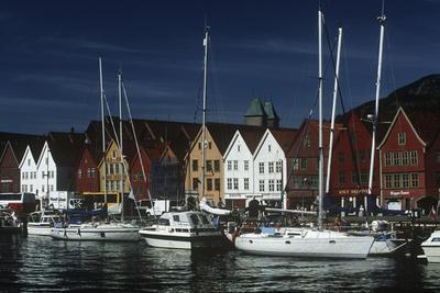 https://imgc.artprintimages.com/img/print/norway-bergen-bryggen-old-wharf-tyskebryggen-german-wharf-hanseatic-commercial-buildings_u-l-pp1kku0.jpg?p=0