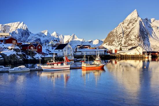 Norway, Lofoten, Moskenesoya, Hamnoy-Bernd Rommelt-Photographic Print
