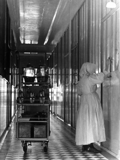 Nurse Distributing Meals in Diphtheria Section of Contagious Disease Hospital at Pasteur Institute--Photographic Print