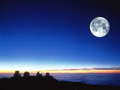 Observatories At Mauna Kea, Hawaii-David Nunuk-Photographic Print