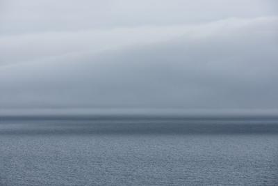 https://imgc.artprintimages.com/img/print/ocean-rainy-weather_u-l-q11wf880.jpg?p=0
