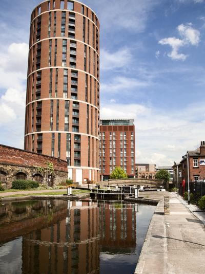 Office Lock on Leeds and Liverpool Canal, Granary Wharf, Leeds, West Yorkshire, Yorkshire, England-Mark Sunderland-Photographic Print