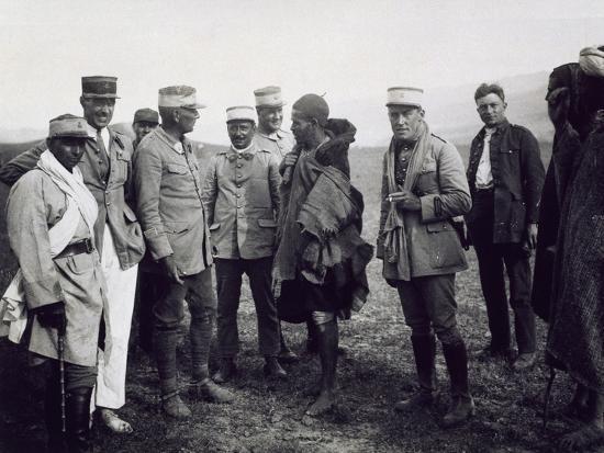 Officers Interrogating a Riff Prisoner, Follower of Abd-El-Krim, the Rif War--Giclee Print