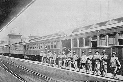 https://imgc.artprintimages.com/img/print/officers-stand-near-a-railway-carriage-during-the-pullman-strike_u-l-q10cmai0.jpg?p=0