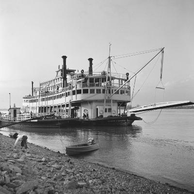 Ohio River Boat Moored at Dock on the Ohio River-Walker Evans-Photographic Print
