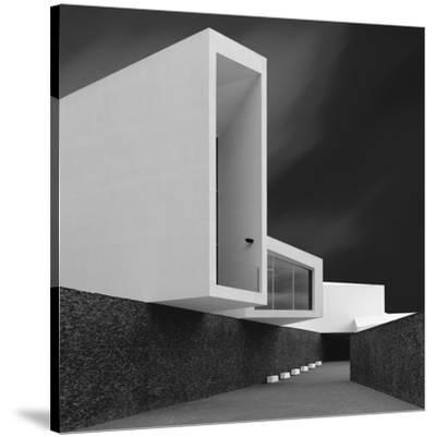 White Walls by Olavo Azevedo