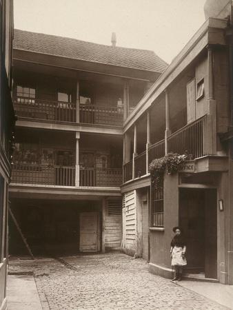 Old Bell Inn, Holborn, London, 1884-Henry Dixon-Photographic Print