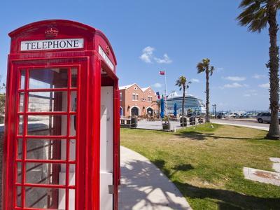 https://imgc.artprintimages.com/img/print/old-british-telephone-call-box-at-the-cruise-terminal-in-the-royal-naval-dockyard-bermuda_u-l-pfliac0.jpg?p=0