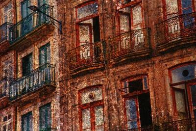https://imgc.artprintimages.com/img/print/old-building-in-porto-portugal_u-l-pzo6xn0.jpg?p=0