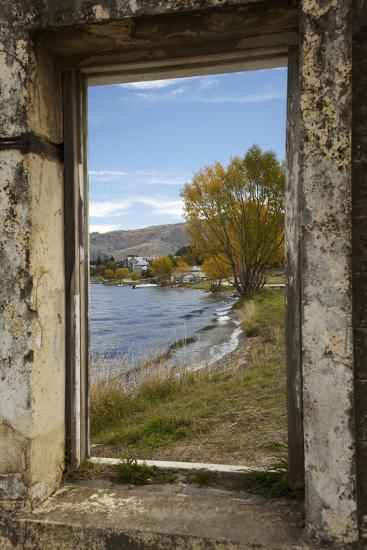Old Building, Lake Dunstan, Cromwell, Central Otago, South Island, New Zealand-David Wall-Photographic Print