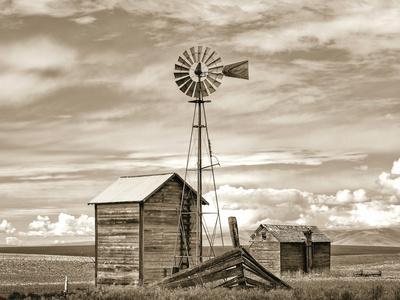 https://imgc.artprintimages.com/img/print/old-windmill_u-l-pt81400.jpg?p=0