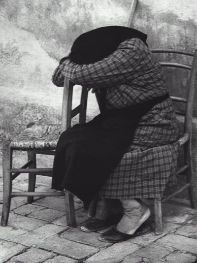 Old Woman Sleeping-Vincenzo Balocchi-Photographic Print