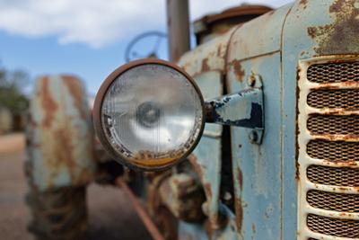 Tractor by Oleg Znamenskiy