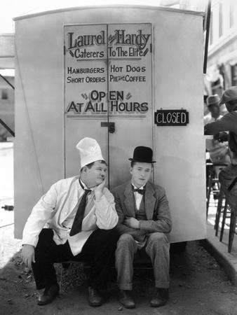 Oliver Hardy, Stan Laurel, Pack Up Your Troubles, 1932--Photographic Print
