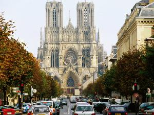 Reims Cathedral, Reims, Champagne-Ardenne, France by Oliver Strewe