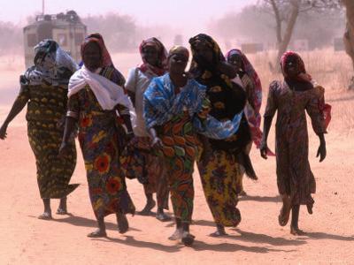 Women Walking Out of Town, Maradi, Niger