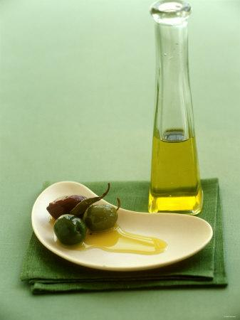 https://imgc.artprintimages.com/img/print/olives-with-olive-oil_u-l-q10rx9j0.jpg?p=0